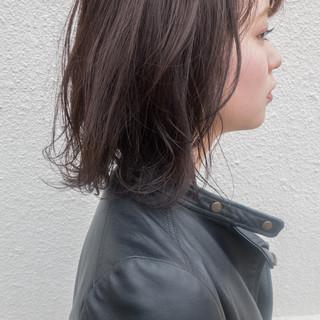 ボブ 暗髪 切りっぱなしボブ 地毛風カラー ヘアスタイルや髪型の写真・画像