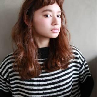 セミロング ヘアアレンジ オン眉 ストリート ヘアスタイルや髪型の写真・画像