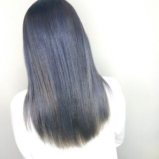 セミロング ナチュラル ネイビーブルー ブルー ヘアスタイルや髪型の写真・画像