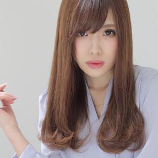 外国人風 暗髪 ゆるふわ ミディアム ヘアスタイルや髪型の写真・画像