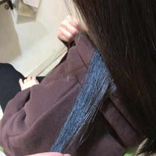 インナーカラー モード ブルー セミロング ヘアスタイルや髪型の写真・画像