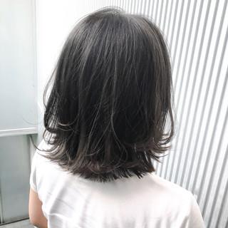 ナチュラル 前髪 ストレート グレージュ ヘアスタイルや髪型の写真・画像