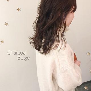 ナチュラル セミロング レイヤーロングヘア ゆる巻き ヘアスタイルや髪型の写真・画像