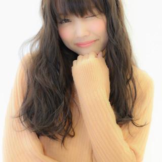 暗髪 フェミニン 外国人風 ロング ヘアスタイルや髪型の写真・画像