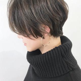 ショートボブ ショート ハイライト アッシュグレー ヘアスタイルや髪型の写真・画像