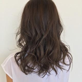 アッシュ 外ハネ  ゆるふわ ヘアスタイルや髪型の写真・画像