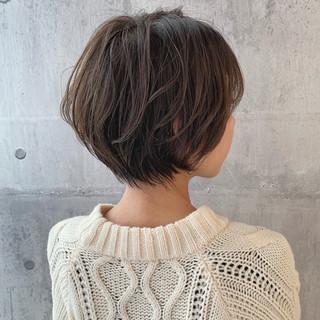 ナチュラル 簡単スタイリング ハンサムショート 小顔ショート ヘアスタイルや髪型の写真・画像