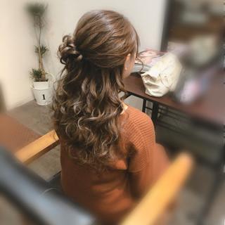 お団子アレンジ ヘアアレンジ フェミニン ハーフアップ ヘアスタイルや髪型の写真・画像
