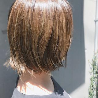 ブリーチ ハイライト 外国人風 カーキ ヘアスタイルや髪型の写真・画像