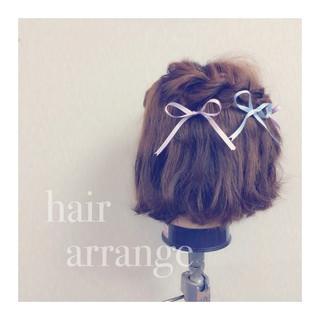 ショート ボブ 簡単ヘアアレンジ フェミニン ヘアスタイルや髪型の写真・画像