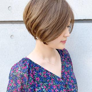 ショートヘア 前下がりショート ショート ミニボブ ヘアスタイルや髪型の写真・画像