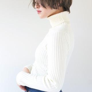 アンニュイ 似合わせ ナチュラル ショート ヘアスタイルや髪型の写真・画像