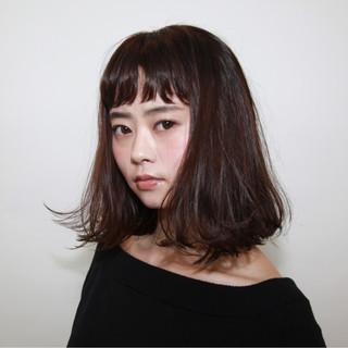 前髪あり ニュアンス ウェットヘア パーマ ヘアスタイルや髪型の写真・画像