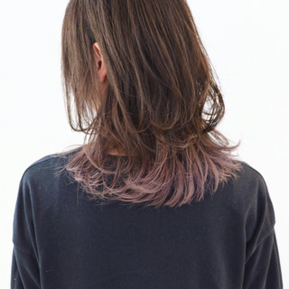 バレイヤージュ ラベンダーアッシュ ロング ウルフカット ヘアスタイルや髪型の写真・画像