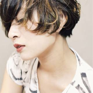 抜け感 ショート モード ダブルカラー ヘアスタイルや髪型の写真・画像