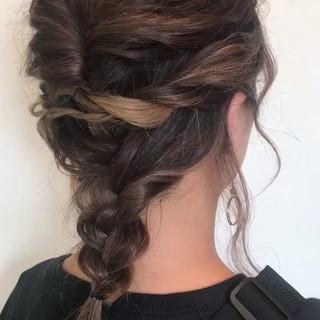 ミディアム ヘアアレンジ インナーカラー 簡単ヘアアレンジ ヘアスタイルや髪型の写真・画像