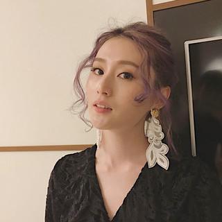 アンニュイほつれヘア パーティヘア パープルカラー ミディアム ヘアスタイルや髪型の写真・画像