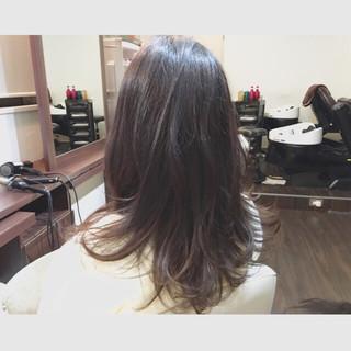 セミロング ゆるふわ フェミニン ガーリー ヘアスタイルや髪型の写真・画像