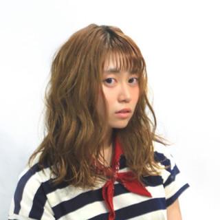 外国人風 ミディアム フェミニン ゆるふわ ヘアスタイルや髪型の写真・画像