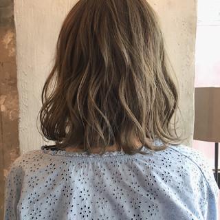 ナチュラル ボブ ウェーブ 女子会 ヘアスタイルや髪型の写真・画像