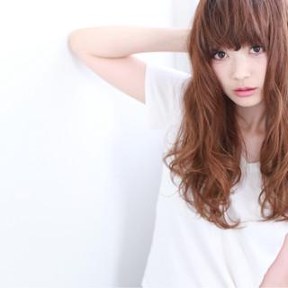 ストリート 外国人風 アッシュ 波ウェーブ ヘアスタイルや髪型の写真・画像