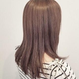 外国人風 ナチュラル ウェットヘア セミロング ヘアスタイルや髪型の写真・画像 ヘアスタイルや髪型の写真・画像