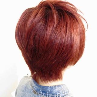 ストリート レッド ショートボブ ブリーチ ヘアスタイルや髪型の写真・画像