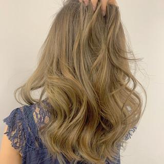ナチュラル ロング ハイトーン ヘアアレンジ ヘアスタイルや髪型の写真・画像