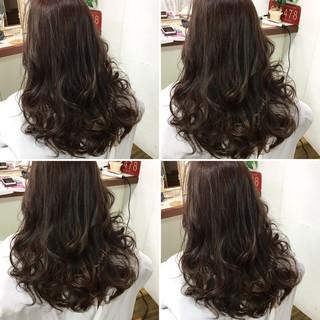 透明感 ハイライト ナチュラル セミロング ヘアスタイルや髪型の写真・画像 ヘアスタイルや髪型の写真・画像