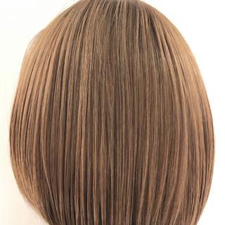 切りっぱなしボブ フェミニン ショートボブ ボブ ヘアスタイルや髪型の写真・画像