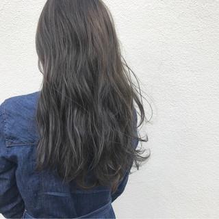 ロング ハイライト 透明感 グレージュ ヘアスタイルや髪型の写真・画像