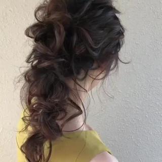 フェミニン 結婚式ヘアアレンジ ロング ゆるナチュラル ヘアスタイルや髪型の写真・画像