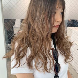ヘアアレンジ デート ハイライト ナチュラル ヘアスタイルや髪型の写真・画像