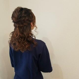ハーフアップ ヘアアレンジ ミディアム フェミニン ヘアスタイルや髪型の写真・画像