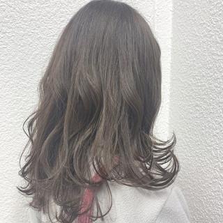 アッシュ デート 抜け感 ゆるふわ ヘアスタイルや髪型の写真・画像