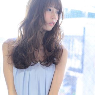 ロング フェミニン 前髪あり アッシュ ヘアスタイルや髪型の写真・画像 ヘアスタイルや髪型の写真・画像