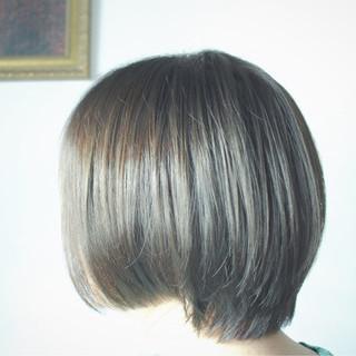 グレー ベージュ カーキ ナチュラル ヘアスタイルや髪型の写真・画像