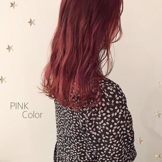 ミディアム ストリート ダブルカラー ピンクカラー ヘアスタイルや髪型の写真・画像