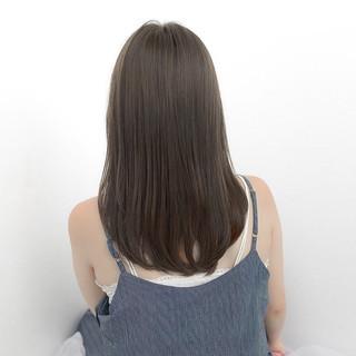 グレージュ ナチュラル セミロング ストレート ヘアスタイルや髪型の写真・画像 ヘアスタイルや髪型の写真・画像