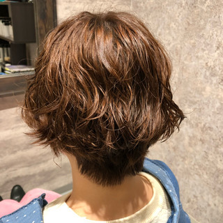 イルミナカラー かっこいい ショート フェミニン ヘアスタイルや髪型の写真・画像