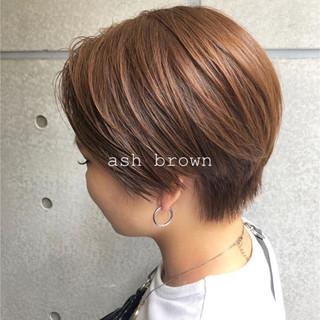 ベリーショート ショートヘア アッシュブラウン アッシュベージュ ヘアスタイルや髪型の写真・画像