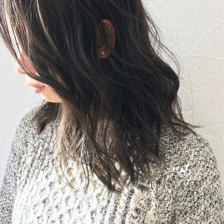 グレージュ ハイライト ミディアム ストリート ヘアスタイルや髪型の写真・画像