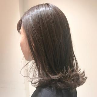 ミルクティーグレージュ 透明感カラー ナチュラル ミルクティーアッシュ ヘアスタイルや髪型の写真・画像