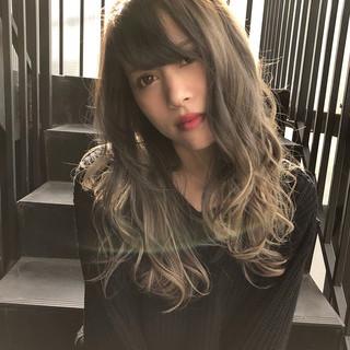 ハイライト コンサバ ミルクティーベージュ セミロング ヘアスタイルや髪型の写真・画像