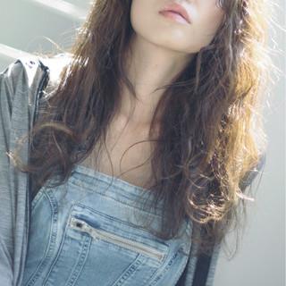 ロング かっこいい ウェーブ パーマ ヘアスタイルや髪型の写真・画像