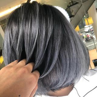 ストリート シルバーアッシュ シルバー グラデーションカラー ヘアスタイルや髪型の写真・画像