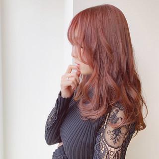ラズベリーピンク セミロング ピンク 大人可愛い ヘアスタイルや髪型の写真・画像