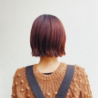 切りっぱなしボブ オレンジベージュ アプリコットオレンジ ボブ ヘアスタイルや髪型の写真・画像
