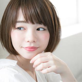 色気 斜め前髪 リラックス 大人かわいい ヘアスタイルや髪型の写真・画像