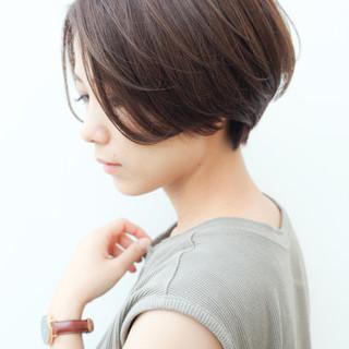 横顔美人 ショートボブ ショートヘア ショート ヘアスタイルや髪型の写真・画像